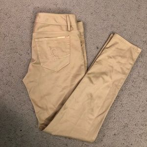 "EUC 31"" Skinny Worth Sateen jeans size 4 -Sand Bar"